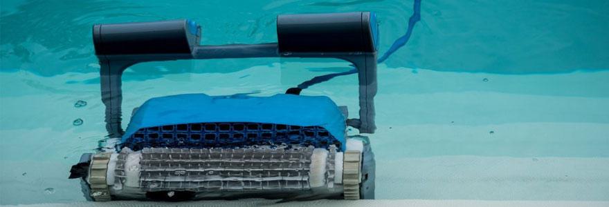 nettoyer-sa-piscine-sans-efforts-en-utilisant-un-robot-electrique