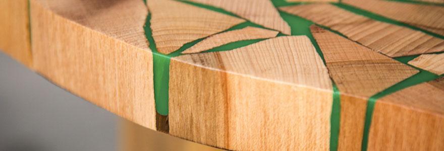 Opter pour les modèles en bois et résine epoxy